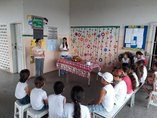 PROFISSIONAIS DE NUTRICIONAL REALIZAM ATIVIDADES DE ACOMPANHAMENTO ESCOLAR