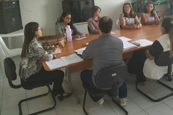 CONSELHO MUNICIPAL DOS DIREITOS DA CRIANÇA E DO ADOLESCENTE REALIZAM REUNIÃO EXTRAORDINÁRIA