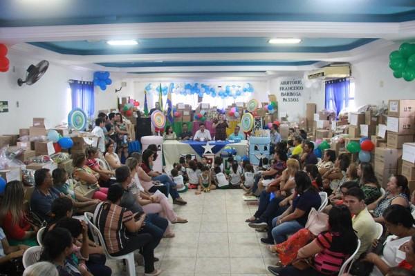 SECRETARIA DE EDUCAÇÃO REALIZA ENTREGA DE 54 KITS DE BRINQUEDOS PARA AS ESCOLAS