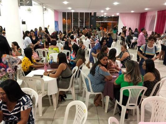 SECRETARIA DE EDUCAÇÃO CELEBRA DIA DOS PROFESSORES COM JANTAR