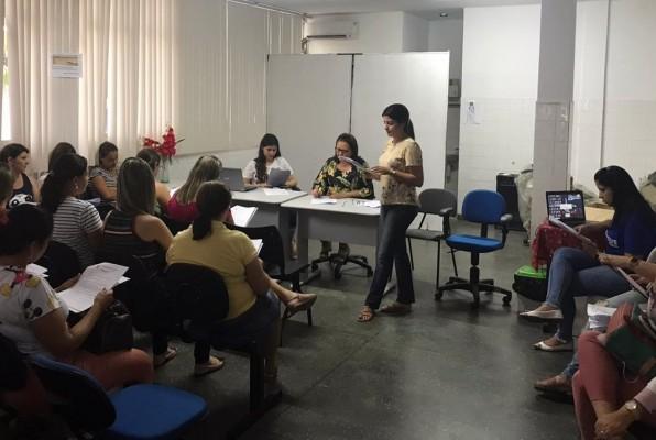 SECRETARIA DA SAÚDE FAZ ENTREGA DOS PROTOCOLOS OPERACIONAIS PADRÃO DOS SERVIÇOS DE FARMÁCIA